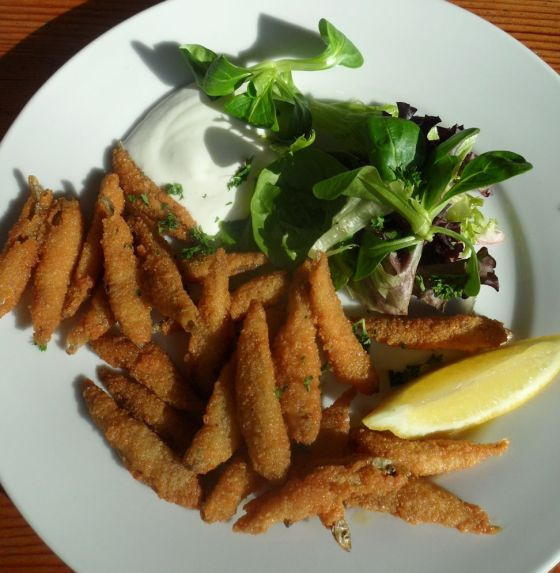 Bianchetti (deep fried whitebait served with homemade dill tartare sauce)